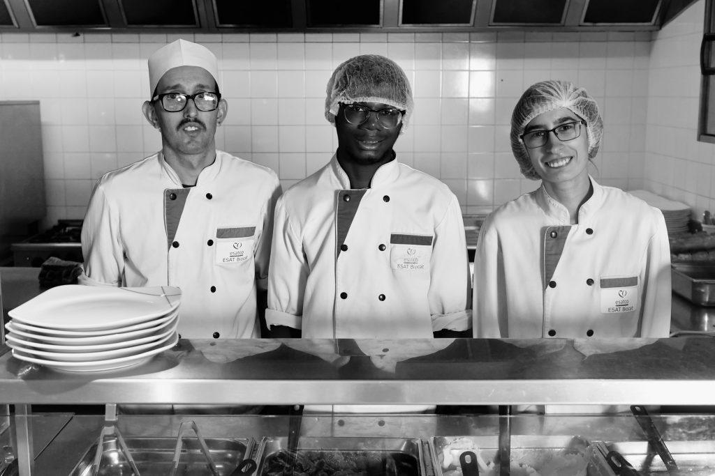 ESAT de Gétigné : un restaurant ou le personnel en situation de handicap prépare les recettes et fait le service. photo Marc Roger
